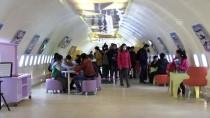 Bu Kütüphaneler 'Kokpit'te Ve 'Vagon'da Kitap Okuma Fırsatı Sunuyor