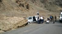 CEZAEVİ ARACI - Eleşkirt'te Trafik Kazası Açıklaması 5'İ Asker 7 Yaralı