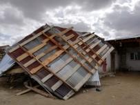 ŞİDDETLİ FIRTINA - Horasan'da Fırtına Maddi Hasara Neden Oldu