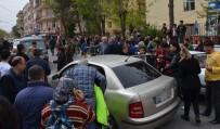 Milas'ta Trafik Kazası, Yaralanan Öğrenci Hastaneye Kaldırıldı