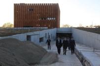 ORHAN TAVLı - Vali Tavlı, Troya Müze İnşaatında İncelemelerde Bulundu