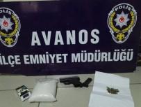 SİGARA PAKETİ - Yarım Kilogram Metamfetamin Yakalatan Şahıs Tutuklandı