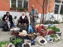 PAZARCI ESNAFI - 70 Yaşındaki Kadın Pazarcılık Yapıyor
