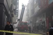 İTFAİYECİLER - Amasya'da İş Merkezinde Korkutan Yangın