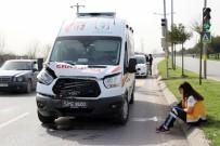 YAYA GEÇİDİ - Ambulansın Çarptığı Motosiklet Yaklaşık 30 Metre Sürüklendi