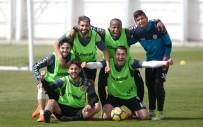 KAYACıK - Atiker Konyaspor, Osmanlıspor Maçı Hazırlıklarını Sürdürdü