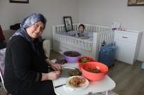 SEREBRAL PALSİ HASTASI - Elleri Öpülesi Anneye Mehmetçik'ten 'Sarma' Desteği