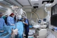 Hastanede İlk Kapalı Yöntemle Kalp Deliği Kapama Operasyonu Yapıldı