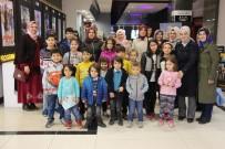 YETİM ÇOCUK - İHH Gönüllüleri, Yetim Çocukların Yüzünü Güldürdü