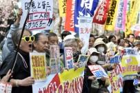ŞİNZO ABE - Japon Halkı Başbakan Abe'nin İstifasını İstiyor
