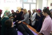 OTURMA ODASI - Kartepeli Kadınlara Ev Kazaları Eğitimi Verildi