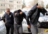 TEPE LAMBASI - Maket Trafik Polis Araçlarının Tepe Lambalarını Çalanlar Adliyeye Sevk Edildi