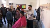 Öğretmenlerden Öğrenciler İçin 'Berber' Hizmeti