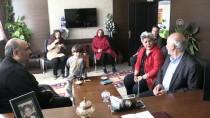 NEVRUZ BAYRAMı - Yer Bulamayan Turistlere Makam Odasını Tahsis Etti