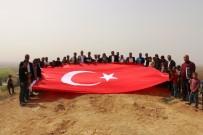 SAVUNMA HAKKI - Akçakale'nin Hakim Tepeleri Türk Bayraklarıyla Donatıldı