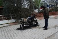Bayramiç'te Motosikleti Yaktılar