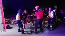 KALP MASAJI - Bolu'da Otomobil İle Kamyon Çarpıştı Açıklaması 2 Ölü, 1 Yaralı