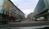 ARAÇ KAMERASI - Motosiklet Sürücünün Tehlikeli Hareketi Araç Kamerasında