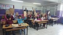 OZAN BALCı - Okuma Ve Yazmaya Geçen 8 Bin 500 Öğrenciye Hediye