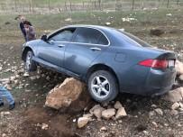 Otomobil Şarampole İndi, Sürücü Yara Almadan Kurtuldu