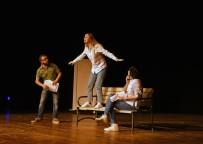 VUSLAT - 'Seni Seviyorum' Oyununa Yoğun İlgi