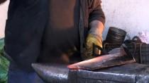 DÖVME - Sıcak Demir Dövme Ustası 55 Yıldır Demire Şekil Veriyor