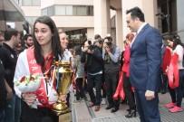 İLKER AYCI - THY, Şampiyon Kızlarını Ağırladı