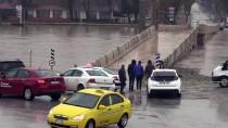 MEHMET MÜEZZİNOĞLU - Tunca Köprüsü Trafiğe Kapatıldı