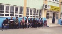 RAMAZAN AKSOY - Adıyamanlılar Vakfından Okula Oturma Bankı