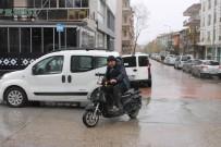 KAZMA KÜREK - Afyonkarahisar'da Mart Kapıdan Baktırdı