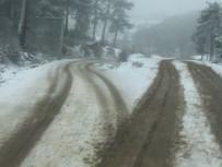 Dursunbey Alaçam Dağlarında Kar Yağışı