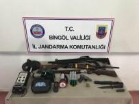 Evin İçinde Kaçak Kazıya Jandarma Baskını Açıklaması 6 Gözaltı