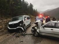 Hasta Nakil Aracı Kaza Yaptı Açıklaması 3 Yaralı