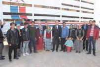 Karaman'da Genç Çiftçiler, Koyunlarını Teslim Aldı