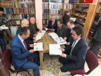 MUSTAFA YıLMAZ - Muhtarlık Binasını Kütüphaneye Dönüştürdü