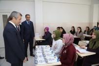 TAKSİ DURAKLARI - Şahinbey Belediyesi Milyonlarca Kitap Hediye Etti