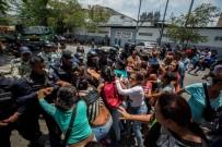 VALENCIA - Venezula'da karakolda ayaklanma