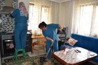 ÜLFET - Yaşlı Kadının Yüzü Yunusemre İle Gülüyor