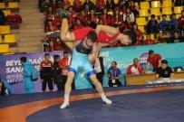 SADIK ALBAYRAK - Yıldızlar  Güreş Turnuvası Gebze'de Başladı