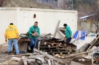 YENİMAHALLE BELEDİYESİ - Alacaatlı'daki İstifçilik El Birliğiyle Yok Edildi