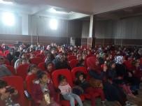 KULLAR - Avrika Sirk Ekibinden Çocuklara Gösteri