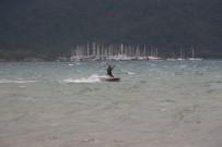 UÇURTMA SÖRFÜ - Şiddetli Lodos Sörfçülerin İşine Yaradı