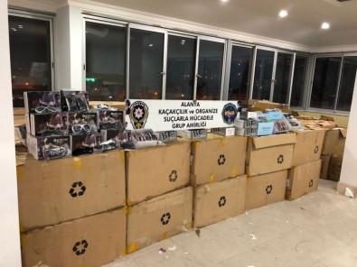 Alanya'da 67 Bin Adet Gümrük Kaçağı Gözlük Ele Geçirildi