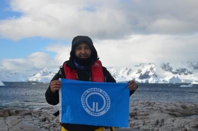 Antarktika'da KTÜ'yü Temsil Ediyor