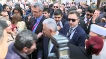 SARAYBOSNA - Başbakan Yıldırım, Başçarşı'yı Gezdi