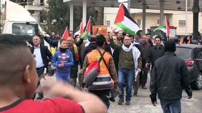 Batı Şeria'daki Gösterilerde 55 Kişi Yaralandı