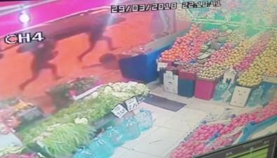 Beyoğlu'ndaki Silahlı Çatışmada Kamerada