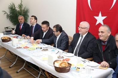 Çayeli Belediye Başkanı Atilla Esmen Köy Ve Mahalle Muhtarlarıyla Bir Araya Geldi