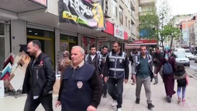 Diyarbakırlı Kadınlardan Polise Sıcak Ekmek İkramı