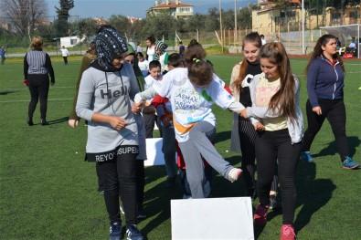 Edremit'te Özel Öğrencilerden 'Aşmak İçin Hareket'' Projesi